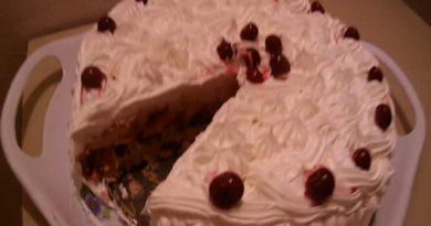 Brza torta od višanja – bez pečenja