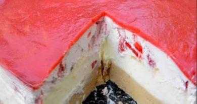 Torta Crvenkapa – Lagana i kremasta – Brza torta sa jagodama