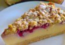 Prhki kolač sa vanil kremom ,višnjama i malinama