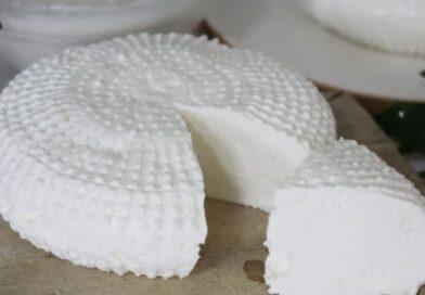 Kako napraviti mladi sir bez sirila – Dva načina pripreme sira – Domaće kiselo mlijeko i sirutka