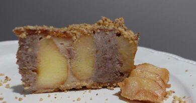 Odlicna posna torta sa punjenim jabukama, puna je oraha i veoma je socna