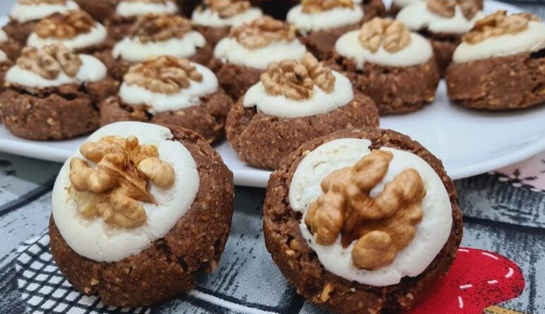 UČITELJSKA DUGMAD- zaledite ih i posluzite kada vam trebaju najukusniji sitni kolači